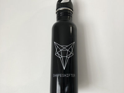 Shapeshifter x Sustainable Coastlines 1L drink bottle main photo