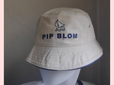 Limited-Edition bucket hat (S/M) main photo
