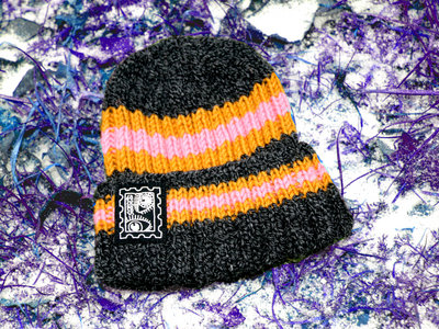 "Hand-knitted beanie with ""EYE Stamp"" print main photo"