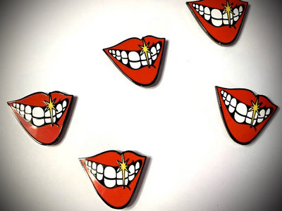 Smile badge 5-pack stocking filler main photo