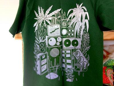 Screen-printed GREEN t-shirt main photo