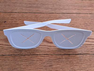 Paper sunglasses 2-pack main photo