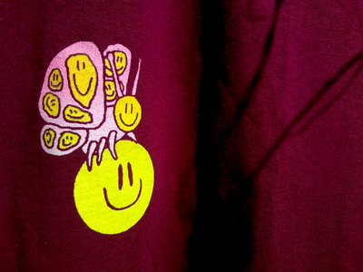 """Screen-printed """"SMILY BUTTERFLY"""" CHERRY t-shirt main photo"""
