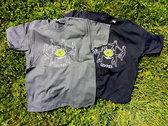 """Screen-printed """"SMILY ROUND DANCE"""" gray t-shirt photo"""