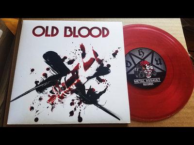 "Bloody Feathers 7"" Vinyl Single main photo"