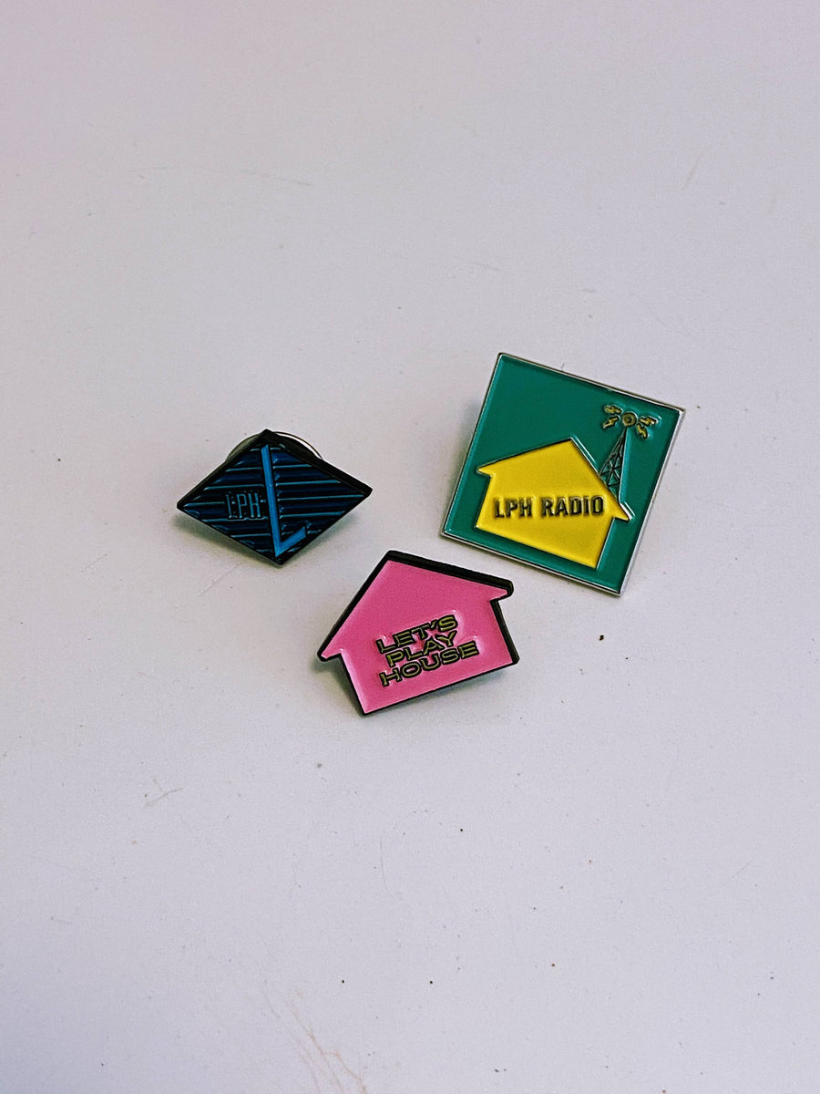 Enamel Pin Let/'s Play