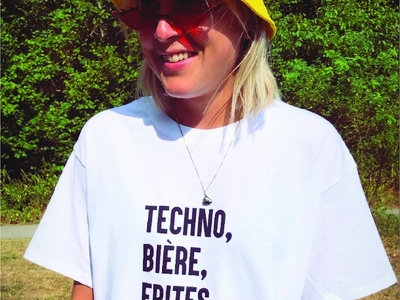 White T-shirt : Techno, Biere, Frites, Fricadelle. main photo