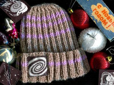 Hand-knitted beanie main photo