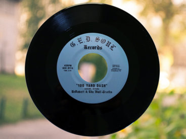 """100 Yard Dash"" b/w ""It's All the Time"" 7"" Vinyl [Black] main photo"