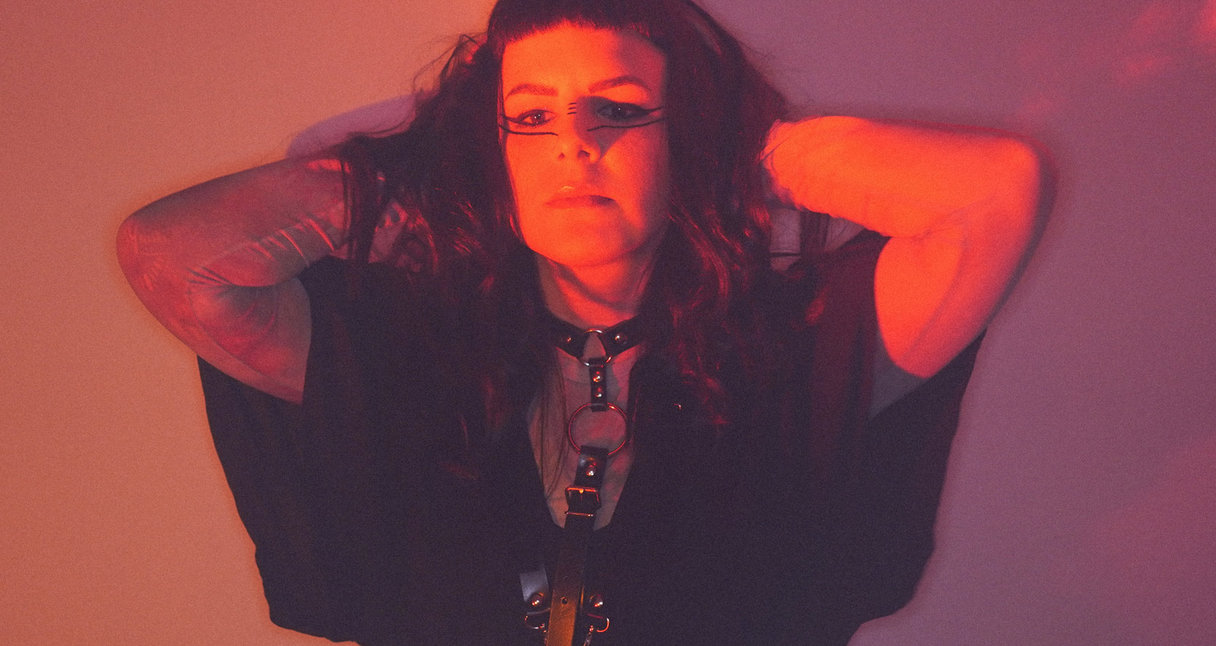 Hante. Makes Dark Music With a Thread of Light