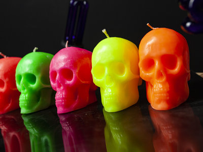 Scented fluorescent SKULL candle main photo