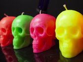 Scented fluorescent SKULL candle photo