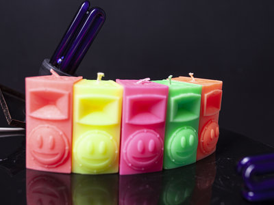 Scented fluorescent SPEAKER candle main photo