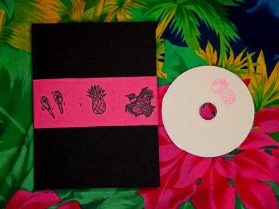 Maraca album - SPECIAL EDITION book / CD + postcards + download main photo
