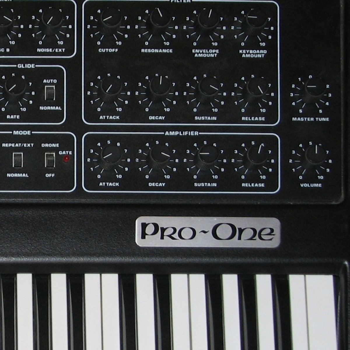 SEQUENTIAL CIRCUITS PRO-ONE VOL  1 | Vintage Synth Samples