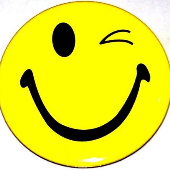 wink face clip art - 545×517