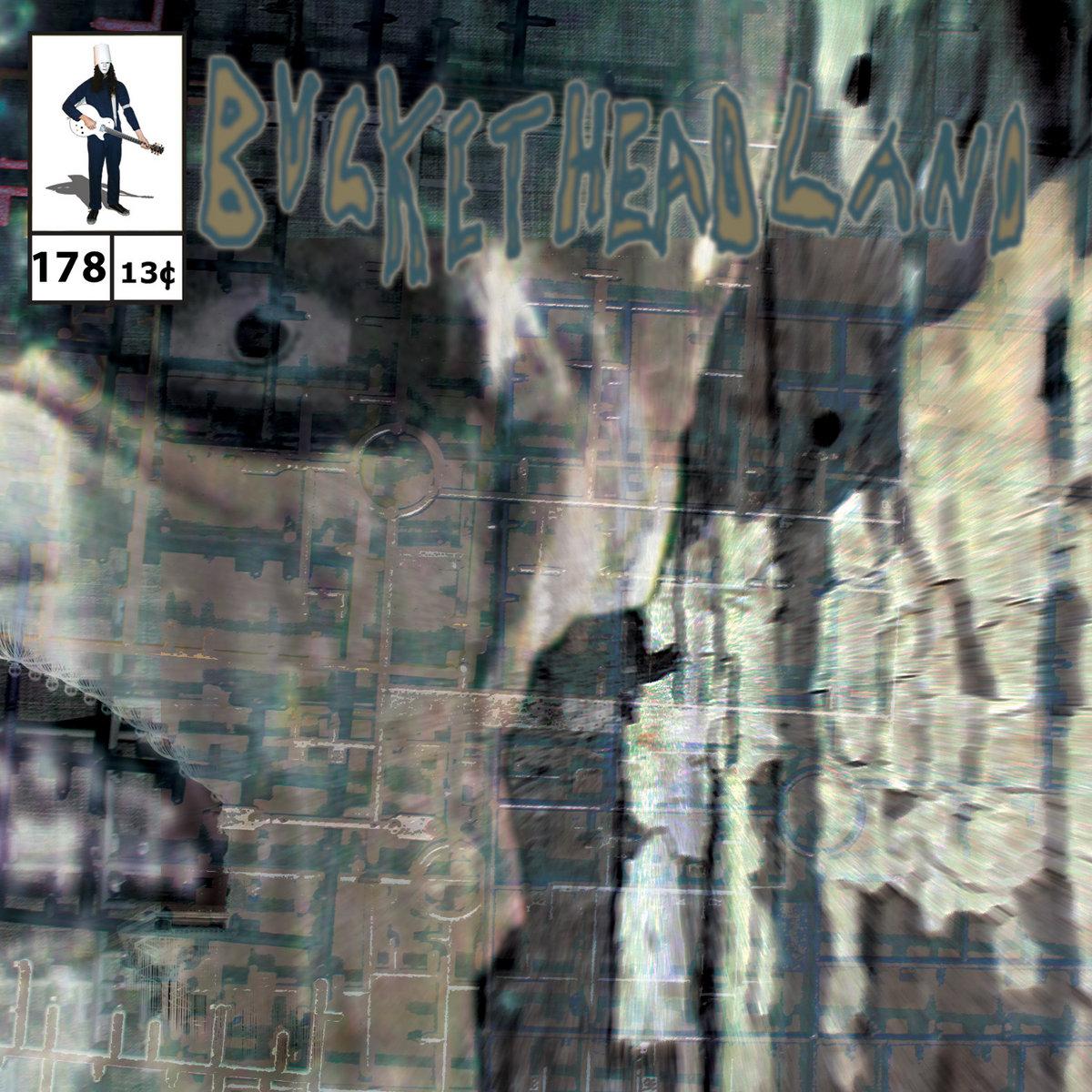 29 days til halloween: blurmwood | bucketheadland