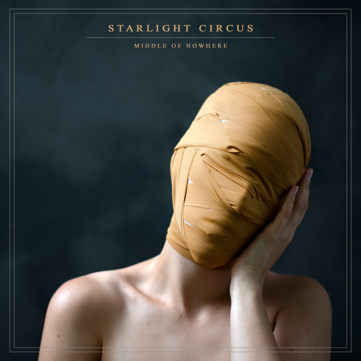 Starlight Circus -  Middle of Nowhere [EP] (2019)