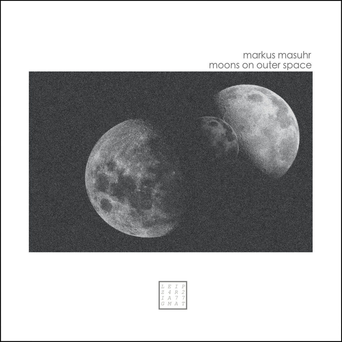 Markus Masuhr – moons on outer space