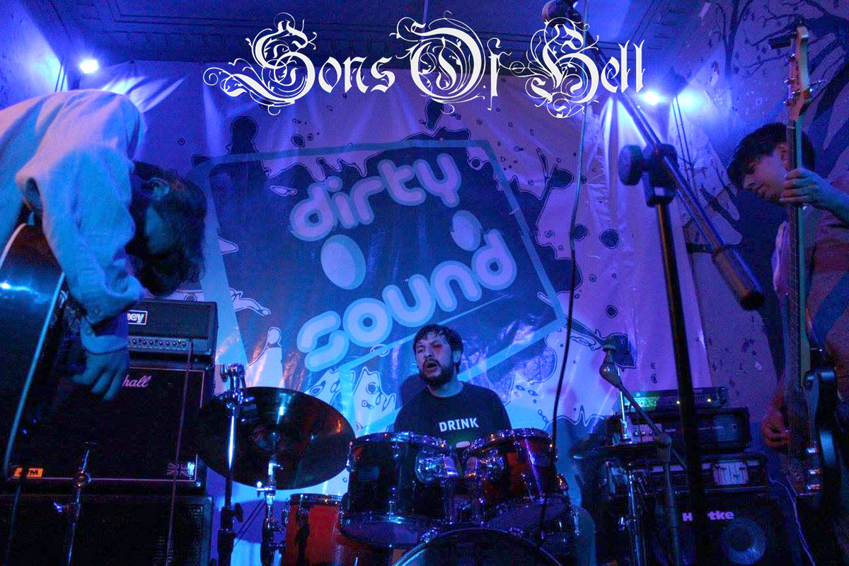 Live Bootleg: Sons of Hell | Loud, Slow and Distorted Riffs