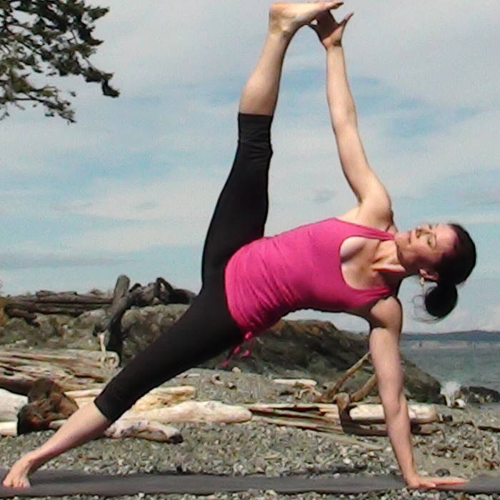 Yoga Classes with Rachel Scott | DoYogaWithMe