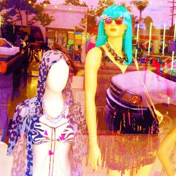 fashion show by chainsaw rainbow
