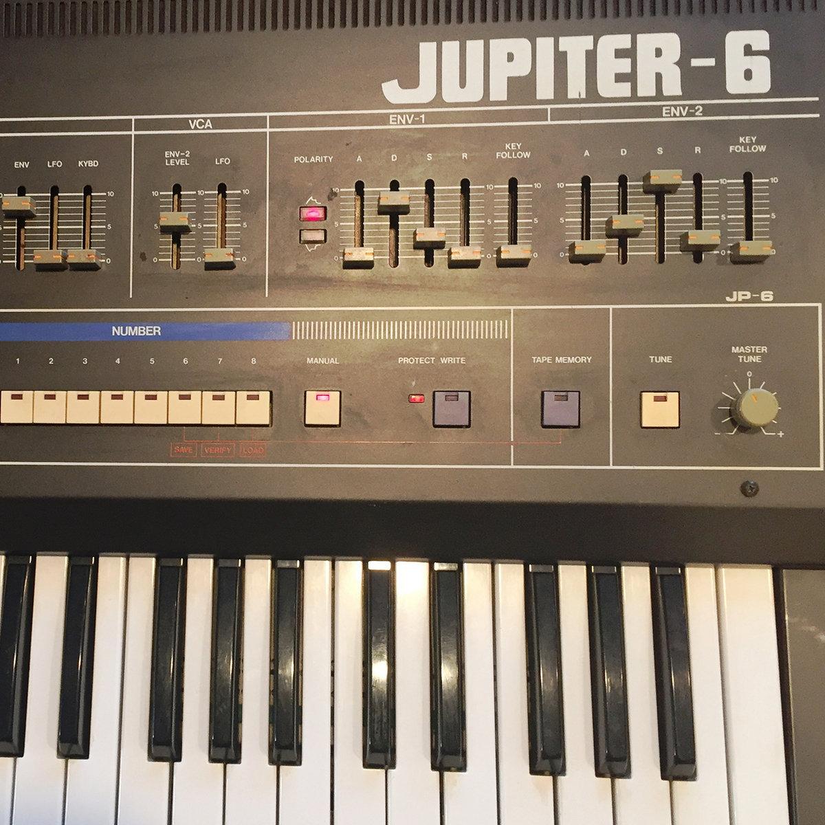 ROLAND JUPITER-6   Vintage Synth Samples